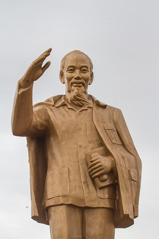 Standbeeld Ho Chi Min
